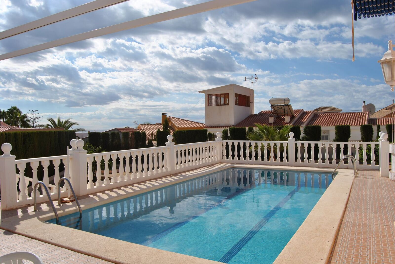 Villa impresionante con piscina privada en bolnuevo casana for Piscina privada