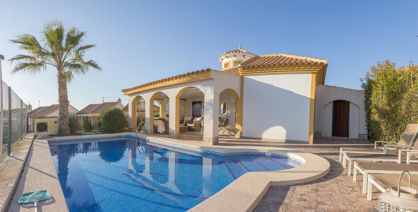 Onwijs Villa 3 bedrooms with private pool at the Mazarrón Country Club GL-06